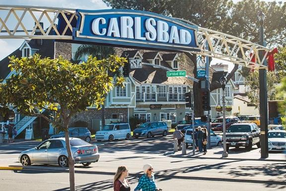 Downtown Carlsbad: Shopping & Dinning