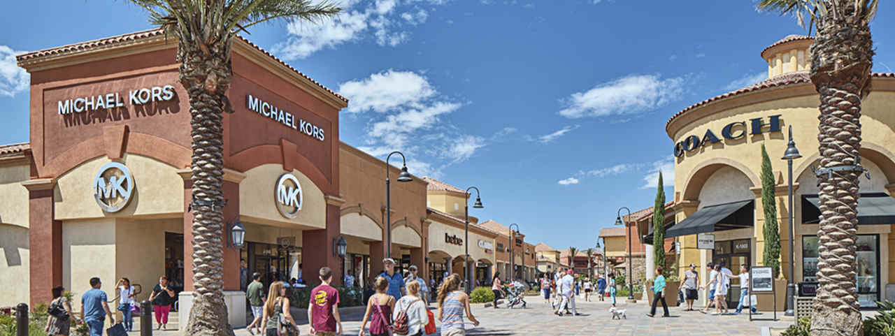 Outlet Mall-Shopping